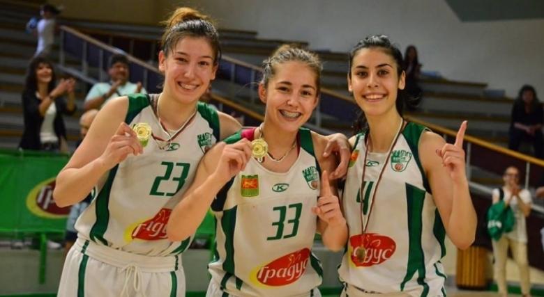 баскетбол - Карина Константинова - Берое в средата