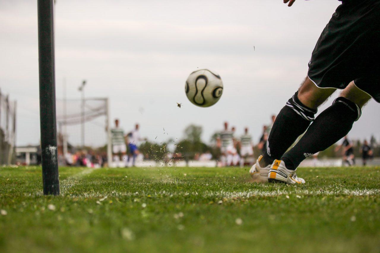 soccer-1678992_1920-1280x853.jpg